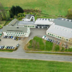 Herbrig GmbH & Co. KG investiert in den Umweltschutz, unter anderem durch Photovoltaikanlagen und LED Leuchtbänder.