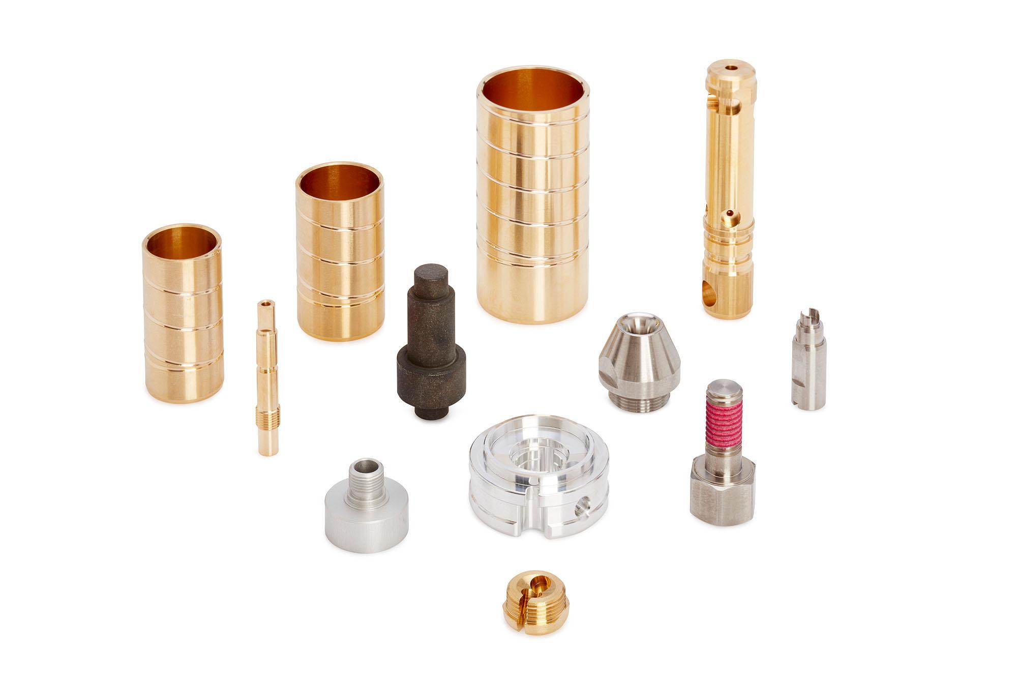 Abbildungen verschiedener Hydraulik-Bestandteile