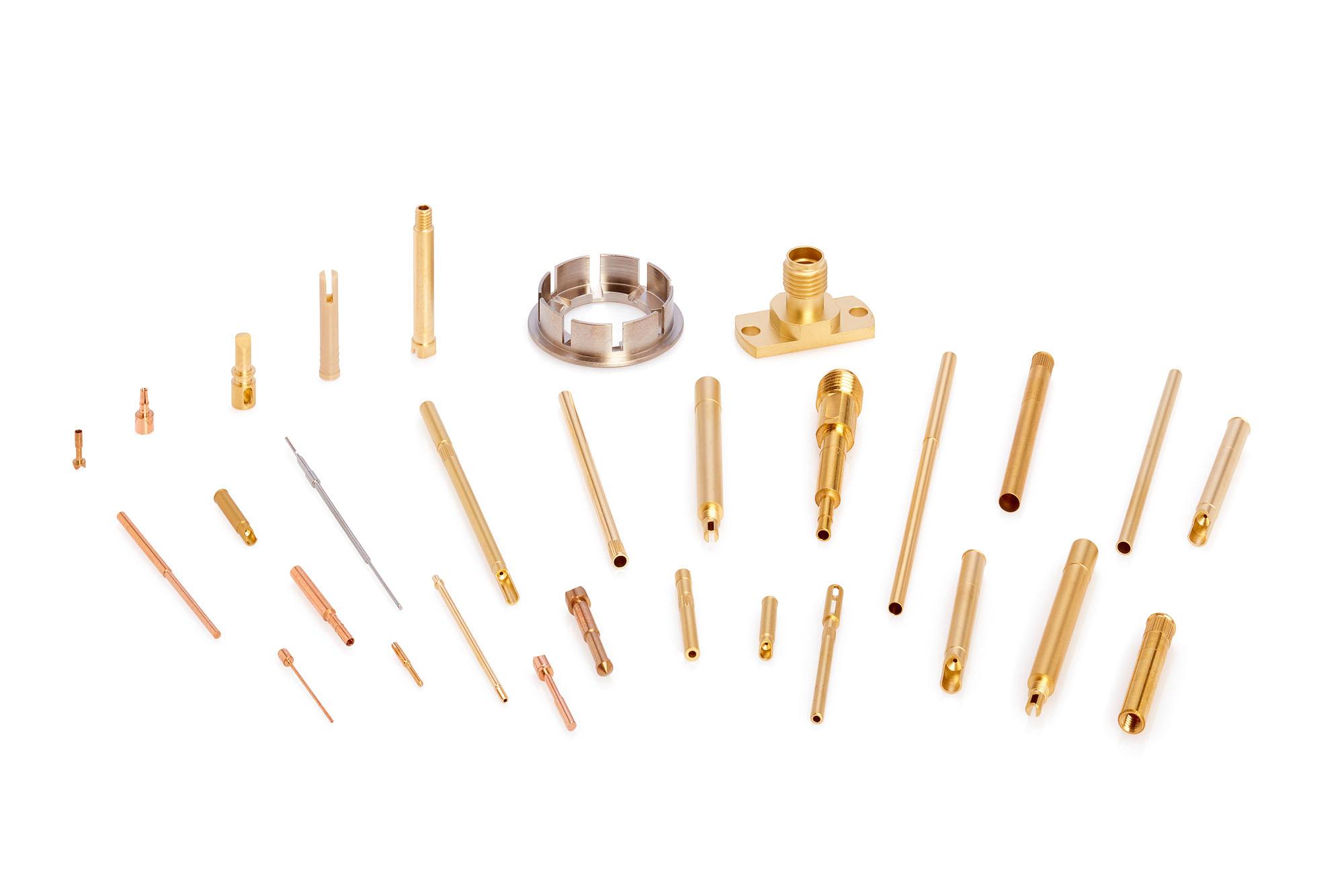 Abbildungen verschiedener Bestandteile der Mess- und Prüftechnik