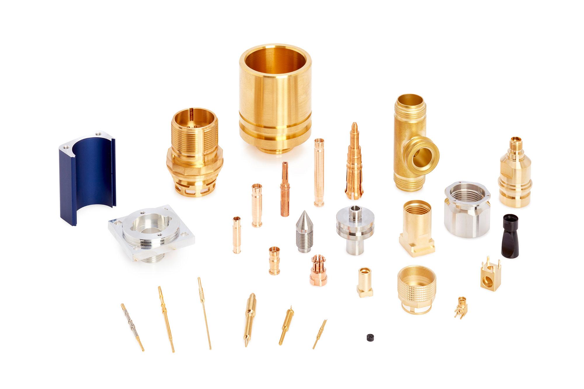 Abbildungen verschiedener elektrischer Steckverbinder